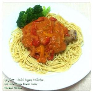 Spaghetti - Baked Pepper & Chicken with Sour Cream Tomato Sauce