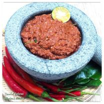 https://marinaohkitchen.wordpress.com/2014/04/30/sambal-belacan/