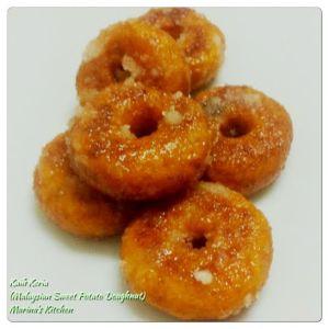 Kuih Keria (Malaysian Sweet Potato Doughnut)