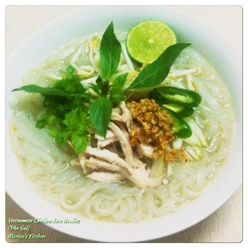 Vietnamese Chicken Rice Noodles (Pho Gai)