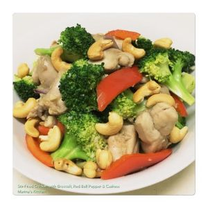 Stir-Fried Chicken with Broccoli, Red Bell Pepper & Cashew