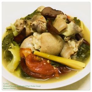 Cai Boi (Mustard Greens with Roasted Pig's Trotter Soup)