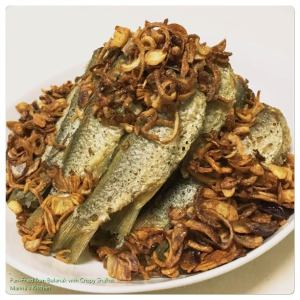pan-fried-ikan-belanak-with-crispy-shallot